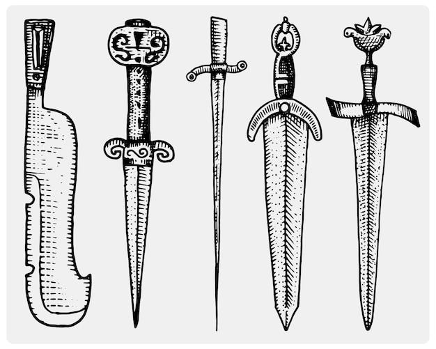 中世のシンボルの大きな剣のセット