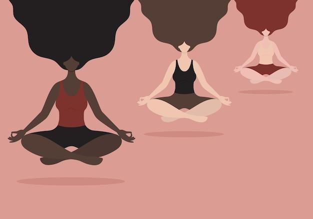 Медитирующие женщины разных национальностей расслабляются в позе лотоса