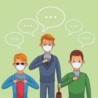Мужчины, носящие медицинскую маску и смартфоны, остаются на связи
