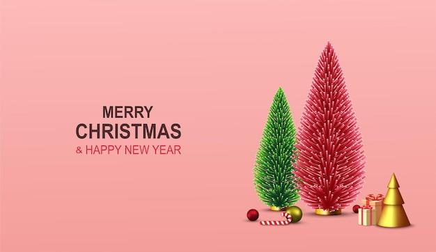 Веселого рождества и счастливого нового года. рождественский фон с декоративной красной и зеленой елкой, подарочными коробками, золотым рождественским украшением, леденцом, красочными шарами.