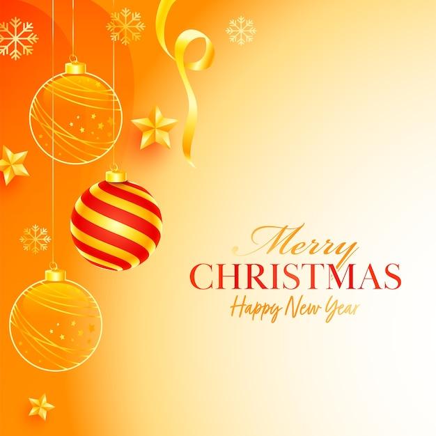 Плакат с рождеством и новым годом с висячими шарами, снежинками и золотыми звездами, украшенными на глянцевом оранжевом фоне.