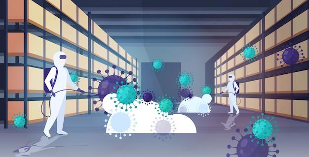 防護服のスペシャリストコロナウイルス細胞の消毒クリーニングmers-cov倉庫内部武漢2019-ncovパンデミックの健康リスク全長水平