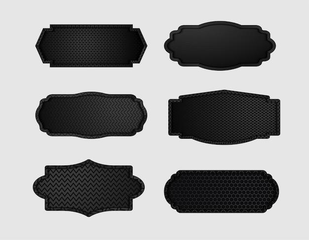 어두운 검은 기하학적 격자 탄소 섬유 텍스처와 금속 방패