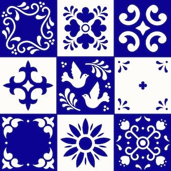 メキシコのタラベラパターン。プエブラの伝統的なスタイルのセラミックタイル。青と白のメキシコ花モザイク。民芸品。