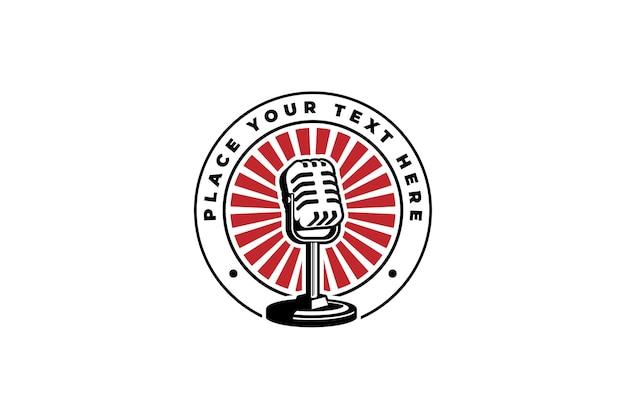 팟캐스트 또는 노래방 로고 라벨 엠블럼 기호에 대한 마이크 마이크 로고 벡터 일러스트 디자인