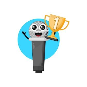 Микрофон трофей милый персонаж талисман