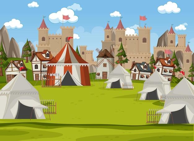 Военный средневековый лагерь с палатками и оружием