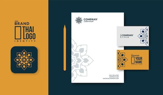 Минимальный тайский шаблон логотипа с роскошным шаблоном визитной карточки