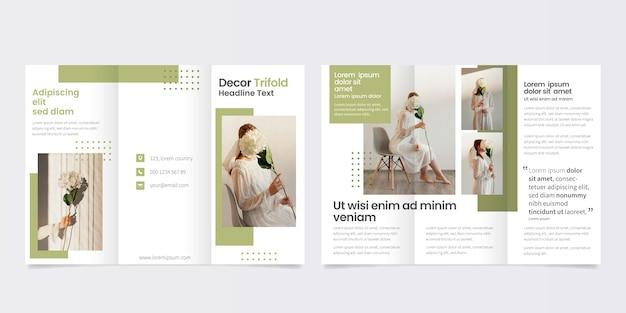 Minimal trifold brochure template