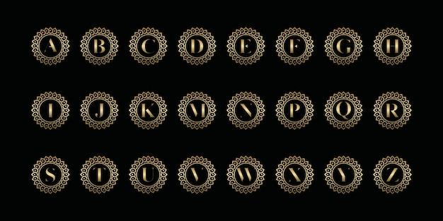 아름다움, 화장품, 요가 및 스파를위한 미니멀리스트 우아한 플로럴 로즈. 로고 및 명함