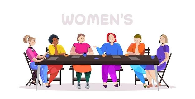 Женщины смешанной расы обсуждают во время встречи за круглым столом движение за расширение прав и возможностей женщин девушка сила концепция союза феминисток