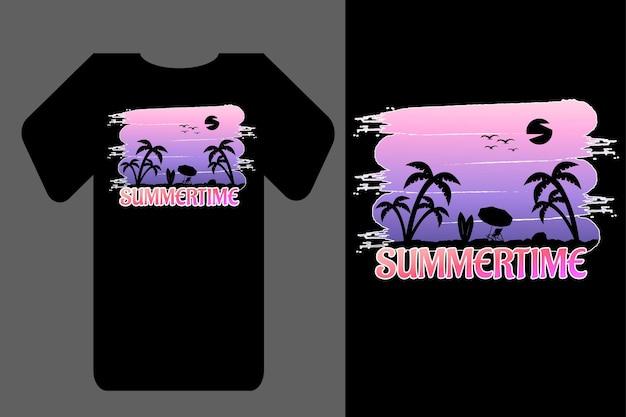 モックアップtシャツシルエット夏のレトロなヴィンテージ