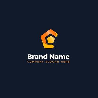 Современная концепция логотипа, подходящая для обучения инновационным технологиям и бизнесу в области информационных технологий.