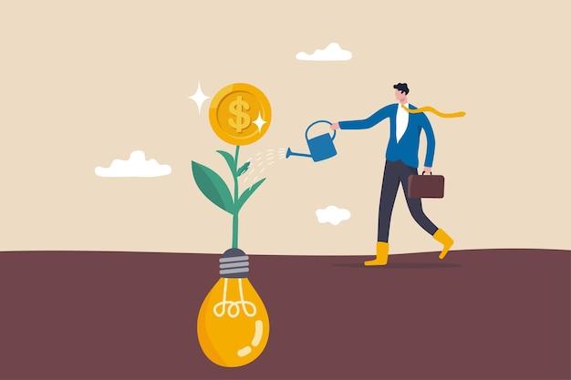 아이디어로 수익을 창출하고, 창의성이나 혁신으로 수익을 내고, 돈 생각, 시작 또는 기금 모금 개념, 전구 아이디어에서 성장하는 돈 동전 묘목에 물을 주는 스마트 비즈니스.