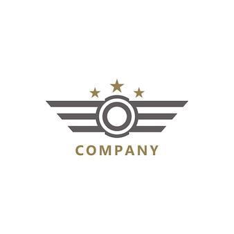 날개가 달린 모노그램 이니셜 o 심플한 로고 디자인