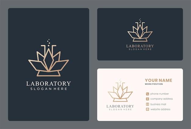 대마초 잎이 있는 모노그램 실험실 로고 디자인.