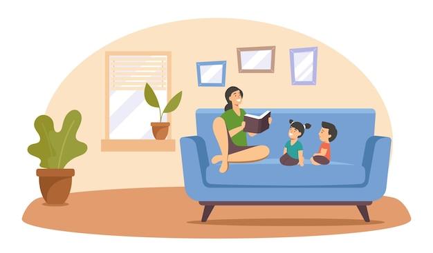 子供たちに本を読んでいる母親、幸せな家族の暇、リラックスして、家で一緒に時間を過ごす、子供たちに読んでいる親