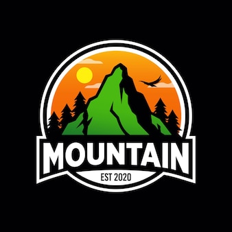 Дизайн логотипа mountain adventure