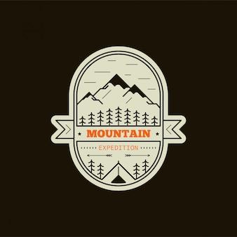 山探検バッジ。黒と白の線図。登山、トレッキング、ハイキングのエンブレム