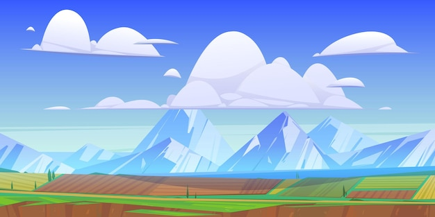 緑の牧草地と野原のある山の風景。雲、農地、道路、湖のある田園地帯の雪のピークのベクトル漫画イラスト。山の谷の田園風景
