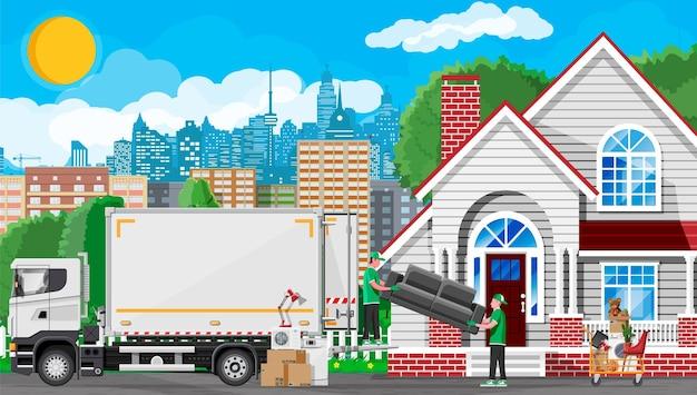 새 집으로 이사. 가족은 새 집으로 이사했습니다. 남자 이사, 집 근처 종이 판지 상자, 배달 트럭. 운송용 패키지. 가정 용품 및 전자 제품. 평면 벡터 일러스트 레이 션