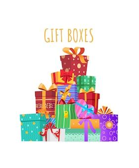 Разноцветные подарочные коробки с лентами и бантами