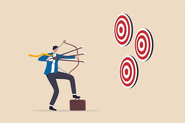 マルチタスクまたは多目的戦略、多くの目標または目標を目指し、仕事とキャリアの概念で成功を収めるための熟練した専門家、3つの目標に複数の弓を目指すビジネスマン。