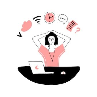 Многозадачная женщина на рабочем месте проверяет расписание напоминаний по электронной почте, работая на ко ...