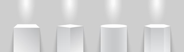 Музейный подиум. стенды. точечный светильник с тумбами или подставками. иллюстрация