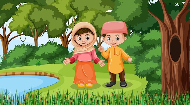 イスラム教徒の子供たちは森のシーンで伝統的な服を着ています