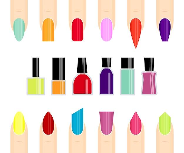 Smalto per unghie e unghie di diversi colori.