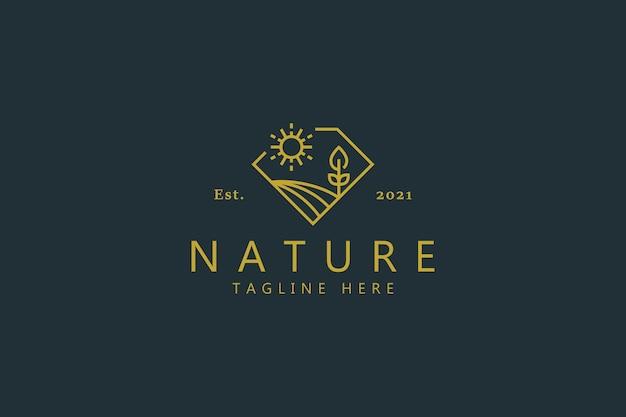ダイヤモンドの形のイラスト風景と自然農場の豪華なバッジのロゴ。創造的なアイデアのデザインテンプレート。