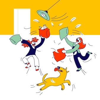 싸우는 장난 꾸러기 과잉 행동 어린이. 어린 소녀 친구 또는 자매 재생, 방에서 엉망 만들기. 만화 그림