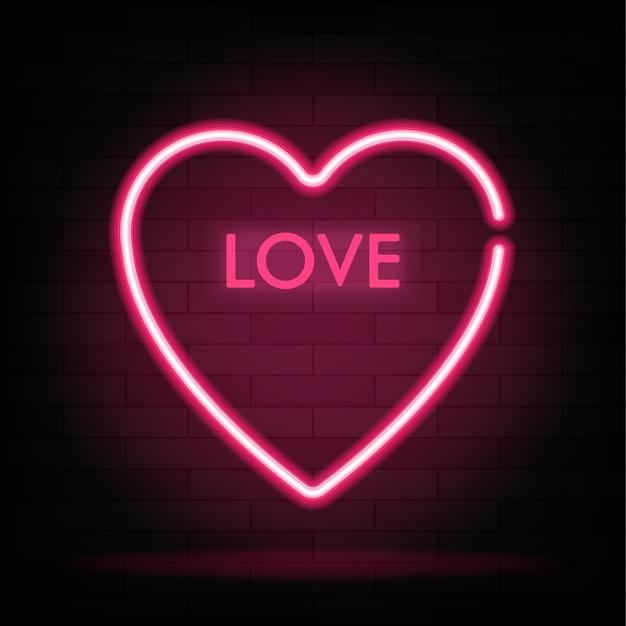 Неоновый градиентный знак слова любви в форме сердца на темном фоне