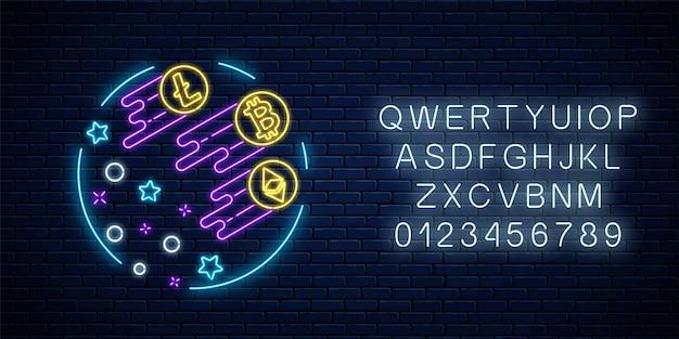 Неоновая вывеска трех криптовалют очень быстро растет. эмблема роста криптовалюты со звездами и алфавитом