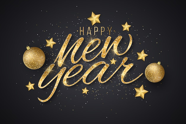 Новогодние золотые сверкающие надписи с украшениями из золотых звезд и праздничных шаров на темном фоне.
