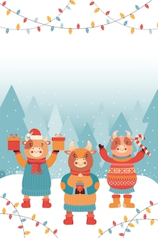 Новогодняя или рождественская открытка. веселые быки с подарками и сладостями. бык в зимнем лесу. символ 2021 года