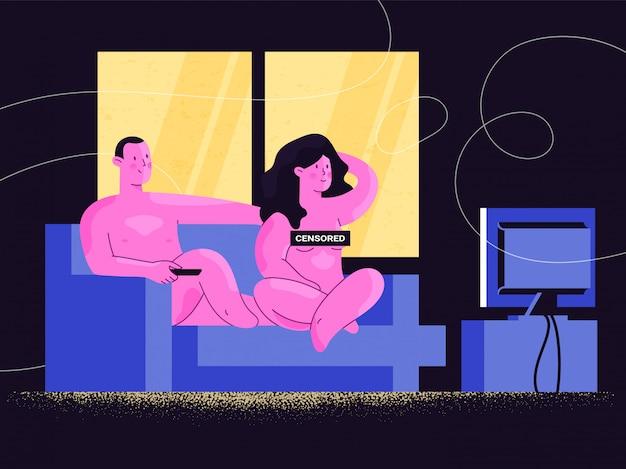 検閲された看板が付いているソファーでテレビ番組やオンラインビデオストリーミングを見ている裸の男女。自宅でリラックスした幸せな裸のカップル。愛とセックスの関係の調和。快適さと自信。