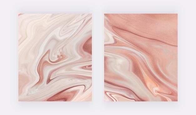 Обнаженная с рисунком жидких чернил из фольги из розового золота.