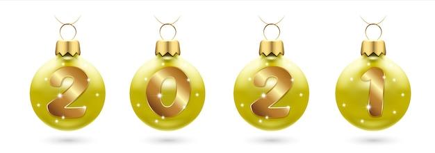 Цифры из золотого конфетти в золотых новогодних шарах праздничный новый год