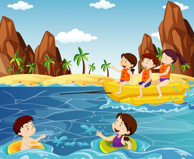 Океанская сцена с людьми на пляже