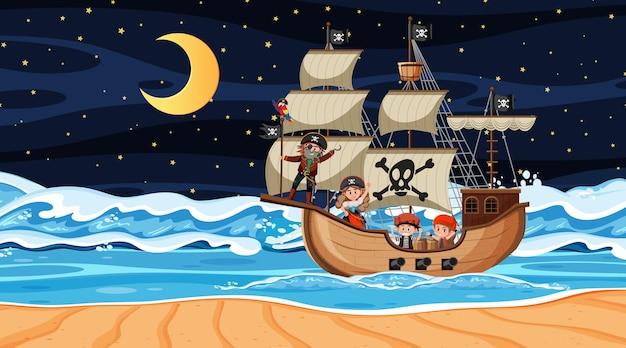 Океан с пиратским кораблем на ночной сцене в мультяшном стиле