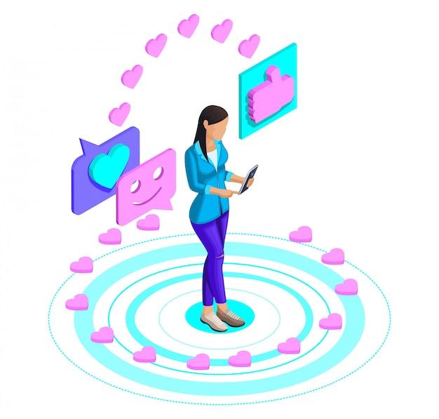 ソーシャルネットワークで動画を見て、スマホにいいね!を投稿する女の子、ビデオブログ、インターネット上のコミュニケーションの女の子。明るいコンセプトが大好き