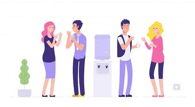Перерыв офисного кулера. мужчина и женщина питьевой воды молодые люди говорят на более прохладной социальной неформальной встрече бизнес-концепции