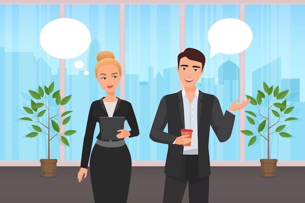 Офисные корпоративные работники пара людей общаются с помощью пузырей сообщений чата над головой