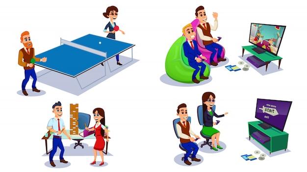 Офисные работники с удовольствием, коллеги играют в игру