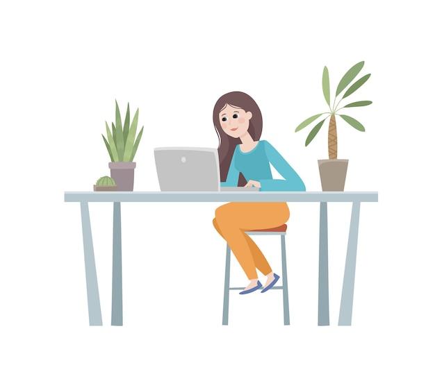 女性、テーブル、ノート、椅子、植物のあるオフィスの職場