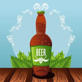 Плакат фестиваля празднования октоберфест с пивной бутылкой в столе.