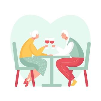 노부부는 낭만적인 데이트를 하고 레스토랑에서 저녁 식사 노년의 관계