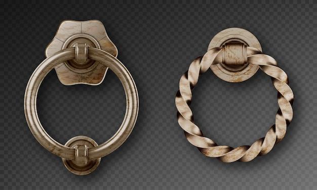 오래된 문 두 들기, 고대 금속 링 핸들. 녹슨 강철 둥근 손잡이, 고립 된 빅토리아 스타일의 장식 원형 손잡이의 벡터 현실적인 세트